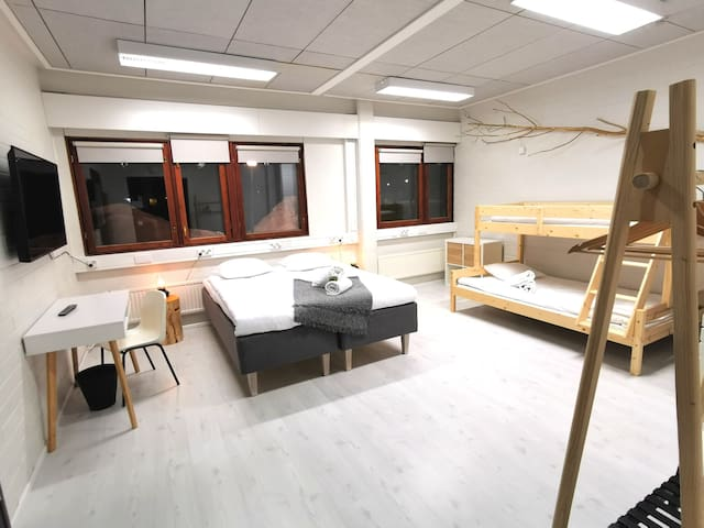 4hh hostellihuone