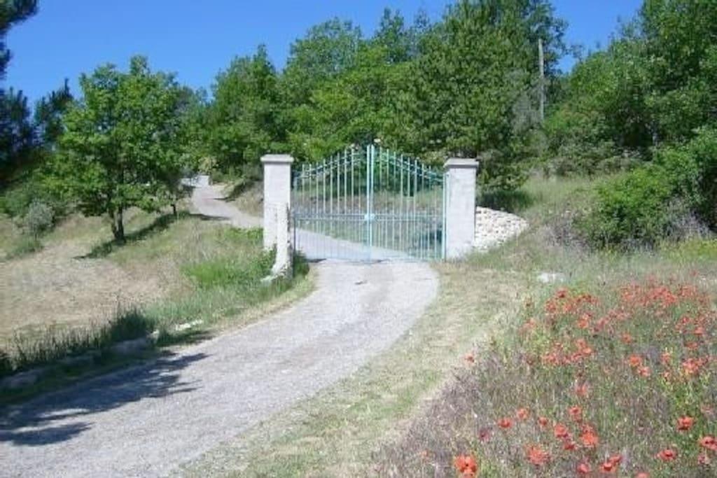 Entrée de la colline