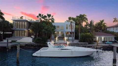 Майами Palm Island Waterfront Paradise Mansion