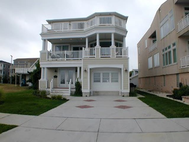 Inlet Point Beachfront House - North Wildwood - Casa