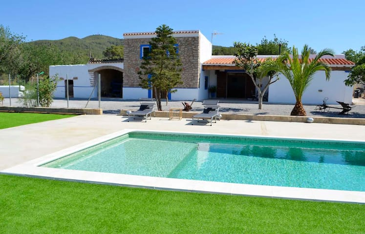 HOUSE WITH POOL NEAR BENIRRAS BEACH -(PHONE NUMBER HIDDEN)- - Sant Joan de Labritja - Casa de campo