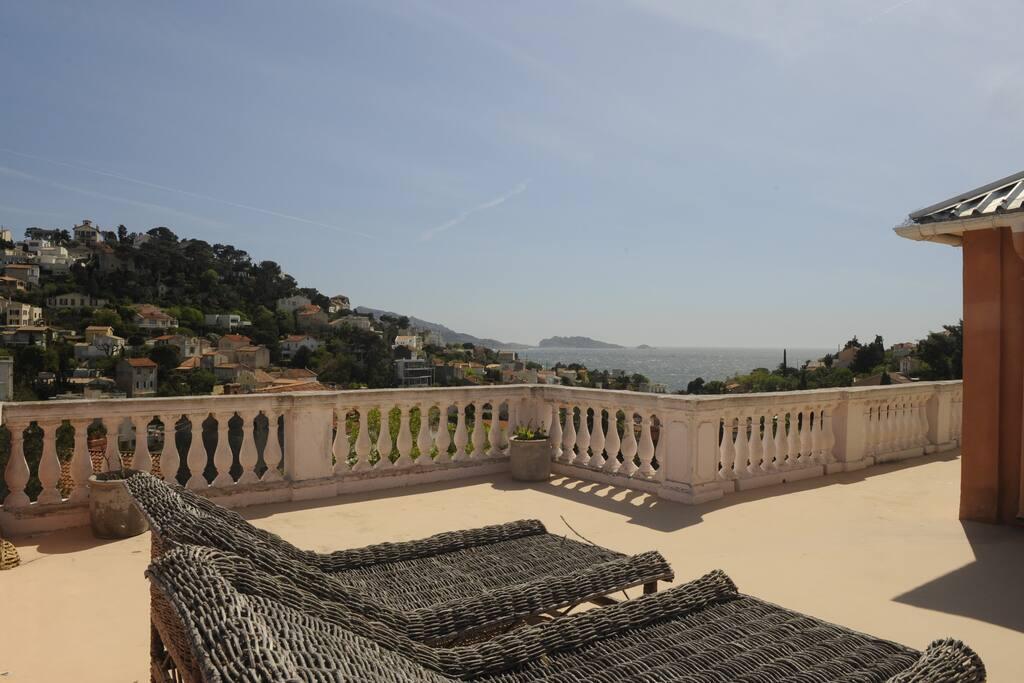 belle bastide entre colline et mer villas for rent in. Black Bedroom Furniture Sets. Home Design Ideas