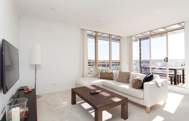 Modern Apt- Breathtaking Waterfront - Rozelle / Balmain - Apartment