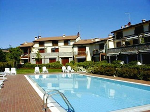 WONDERFUL  APARTAMENTI WITH POOL - Garda - Leilighet