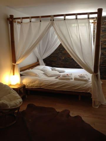 Chambre d'hôtes de charme, jacuzzi  - Peypin - Bed & Breakfast