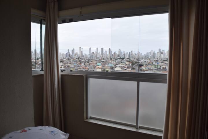 Amplo e confortável apartamento em Camboriú