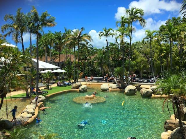 Palm Breeze Villa Port Douglas - Port Douglas - Apartment