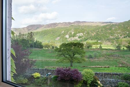 Rural apartment with stunning views - Cumbria - House