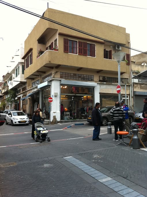 the apartment in the middle of the market in Jaffa