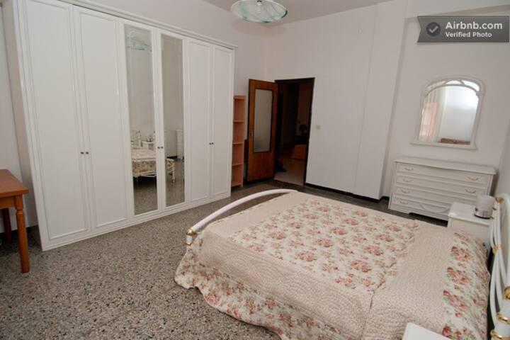 Stanza bella in Cagliari center