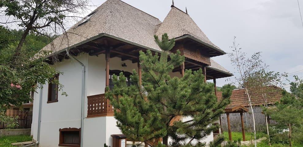 Casa Tanti Patrița/Patritza House