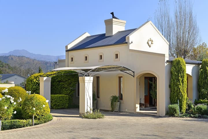 Petit Plaisir self-catering cottage - Franschhoek