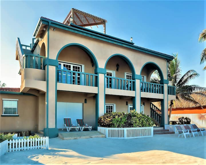Private 5 BR Beachfront Villa with  Rooftop Pool