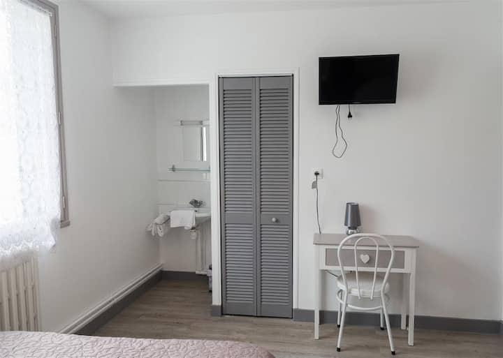 chambre standard sans wc et douche