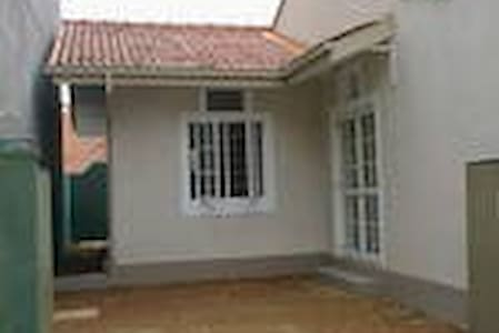 2 A/C Bedroomed House For Rent - Hus
