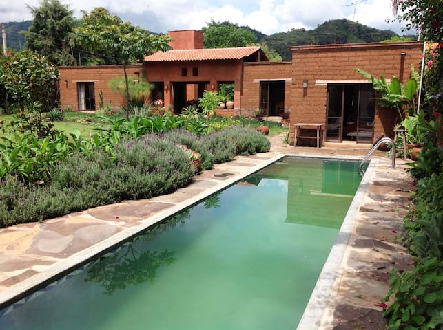 Malinalco: country house with pool