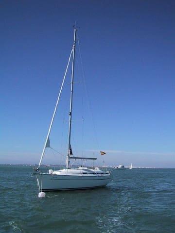 Sail Yatch Bavaria 32 feet in Spain