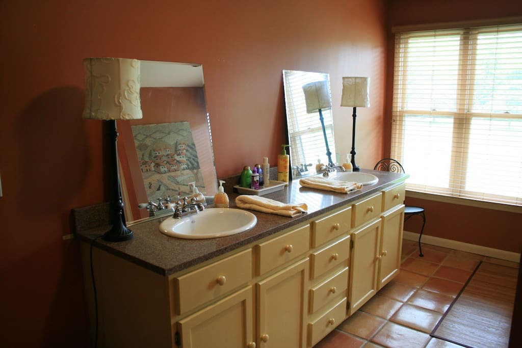 Double vanity w extra things you might need on shelf not shown --- water, power bars, razors, shampoo, etc....