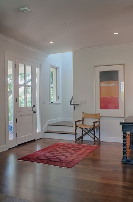 Bright entry way to welcome you home.