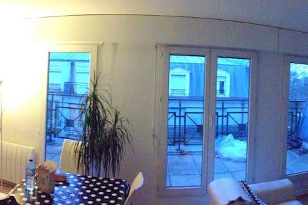 Appartement 2 pièces de 65m² - Saint-Maurice - Apartmen
