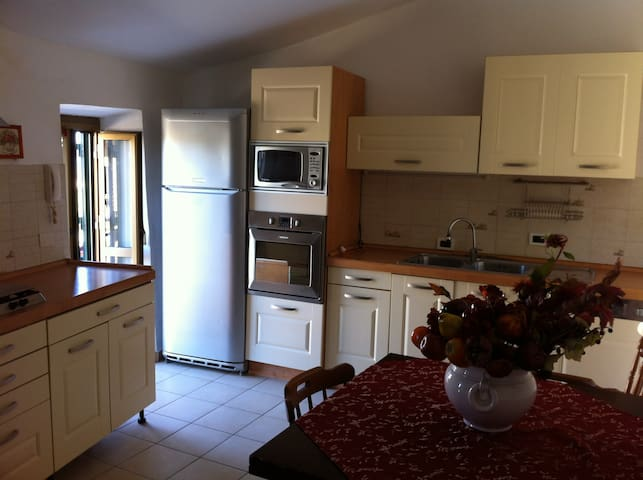 abitazione indipendente panoramica - Castelnuovo di Farfa - Hus