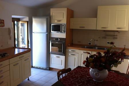 abitazione indipendente panoramica - Castelnuovo di Farfa