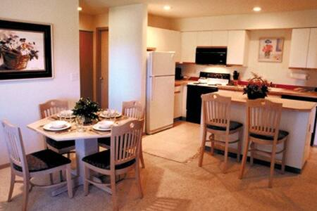 Birch Bay, WA Resort 2 Bdrm Condos - Blaine - Villa