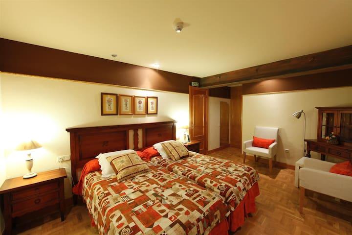 Habitacion dos camas en un entorno privilegiado