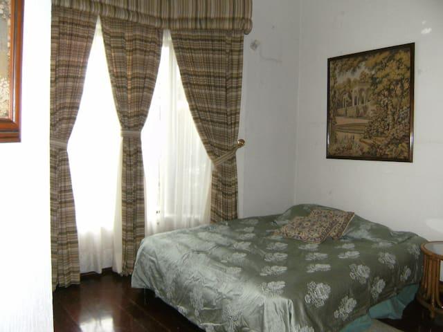 2 Cuartos Amueblados precio por hab - Tlajomulco de zuñiga - Bed & Breakfast