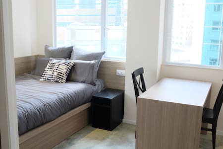 Beautiful Studio In Causeway Bay - Newly Renovated
