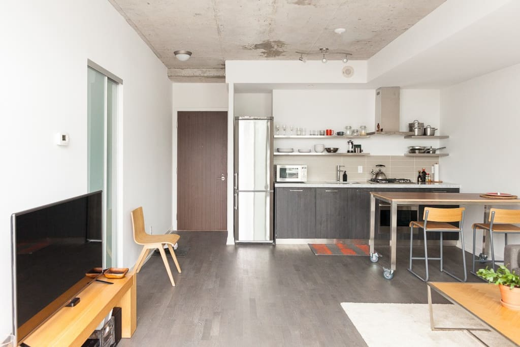 Open Kitchen /Living space