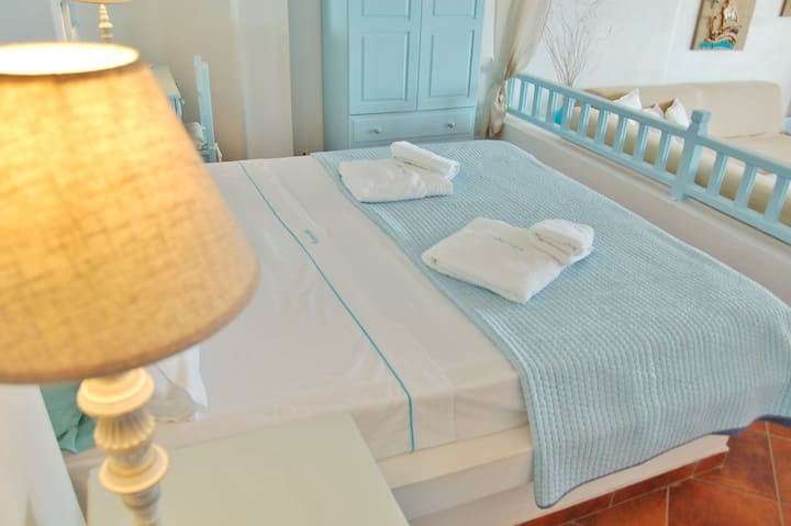Room with special view to Castel! Aspro Mple (N3)