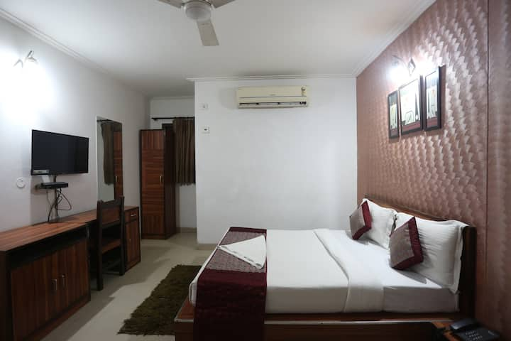 Modern Rooms In Mahipalpur With Cheap Price