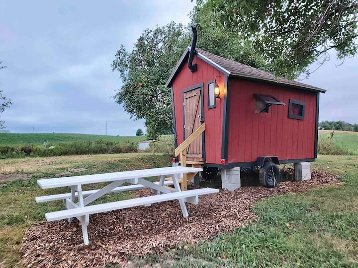 Quirky Appalachian Tiny House @ Silverlaken Estate