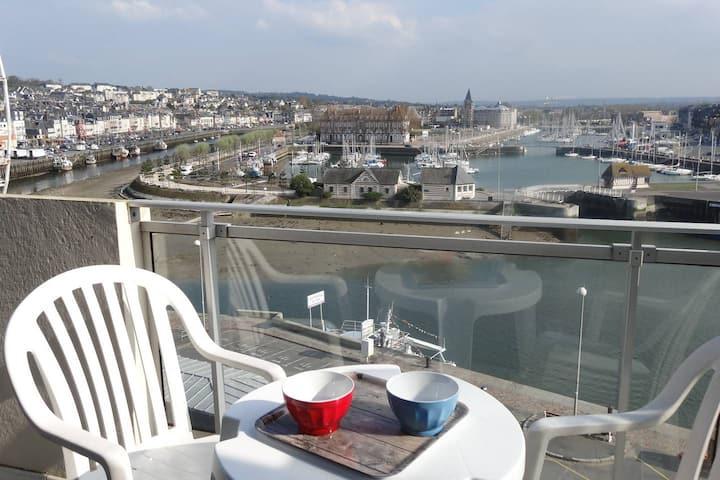 Duplex «Grand Large» : balcon, terrasse, piscine