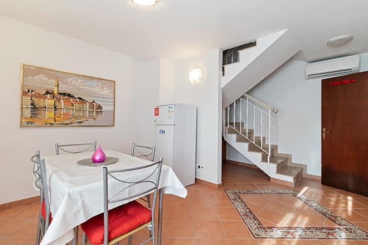 Pintoresco apartamento en Rovinj con terraza