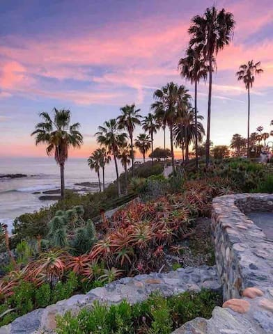 Spacious & luxurious, minutes 2 beaches in Laguna!