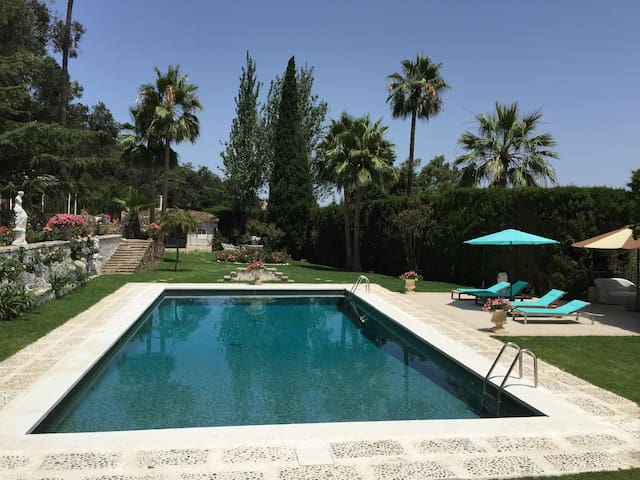 Fantastica Villa Tarifa / Algeciras