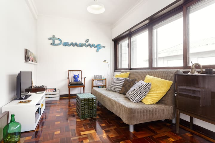 Sunny room in the heart of Porto - Porto - Apartment