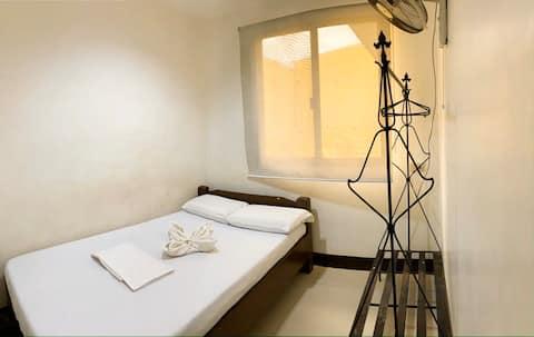 Bayawan Pension House (Standard Matrimonial Room)