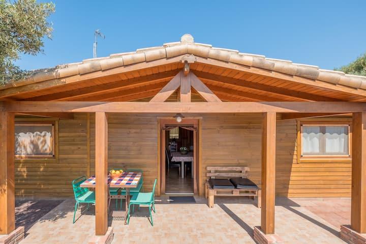 Ideal for sports enthusiasts and near the beach - Casa de madera Naranjo
