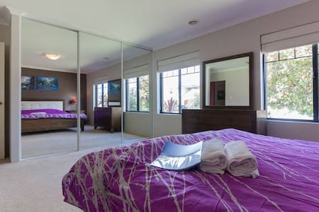5 BR luxury house 4km to Perth City - Karawara - Dům