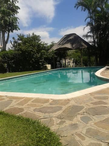 holiday guesthouse - Pinetown - House