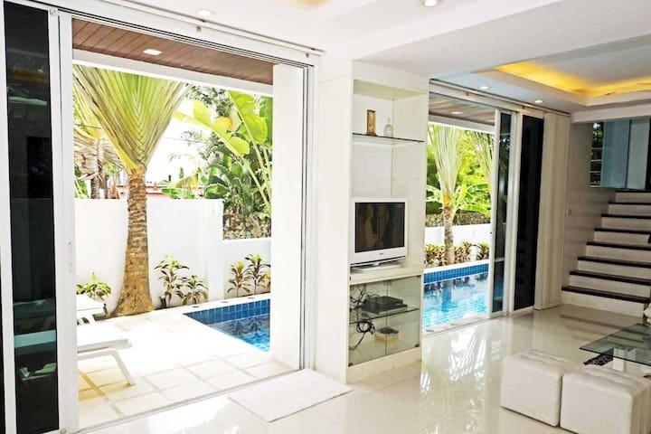 Private Pool Villa Patong