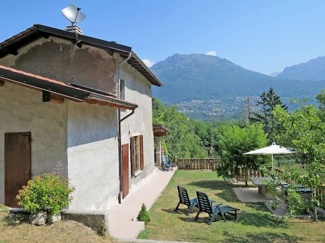Holiday home in PORLEZZA (CO)