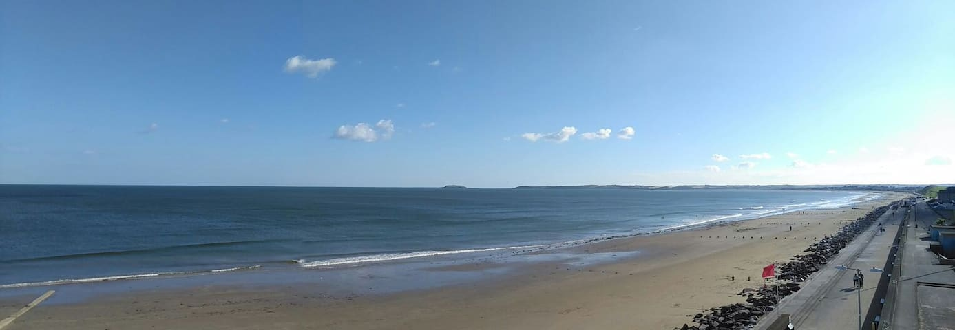 Comfortable Beachfront Apartment - Youghal - Flat