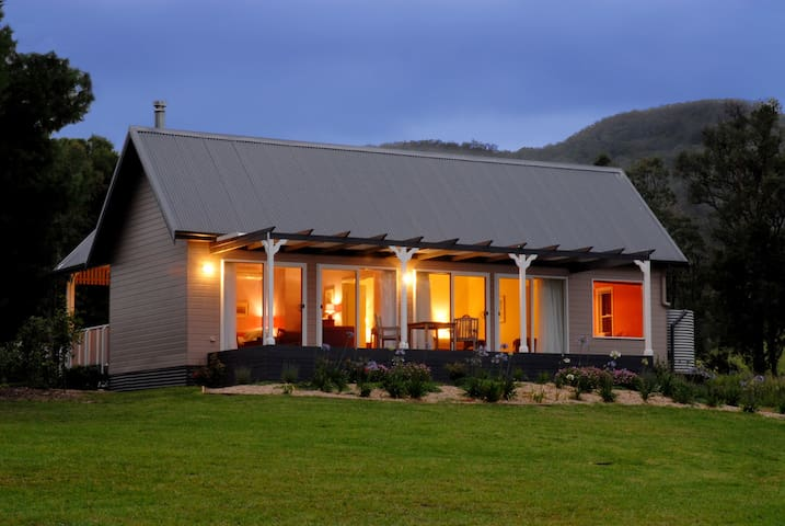 Jumbuck at Crystal Creek Meadows - Kangaroo Valley - Bed & Breakfast
