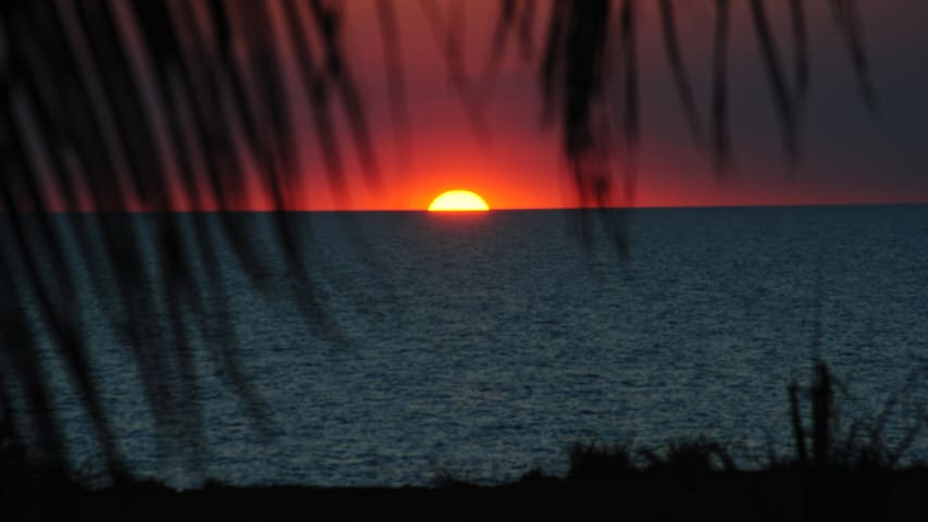 The gorgeous sunsets from your pool deck are amazing.