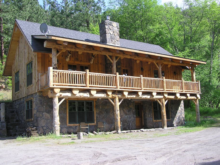 Unique Lodge On Private White River Cabins For Rent In