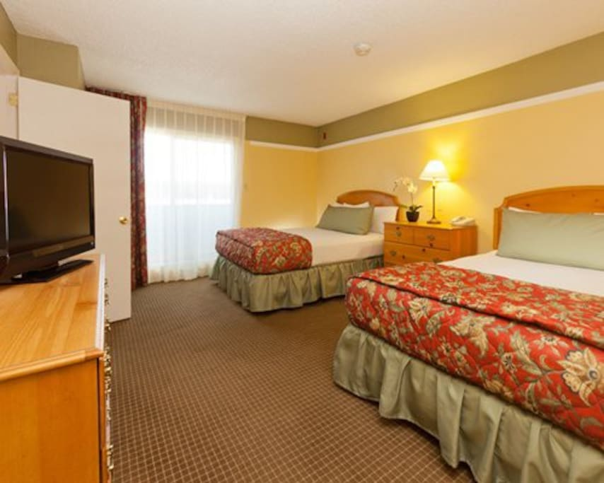 Multiple Queen size Beds